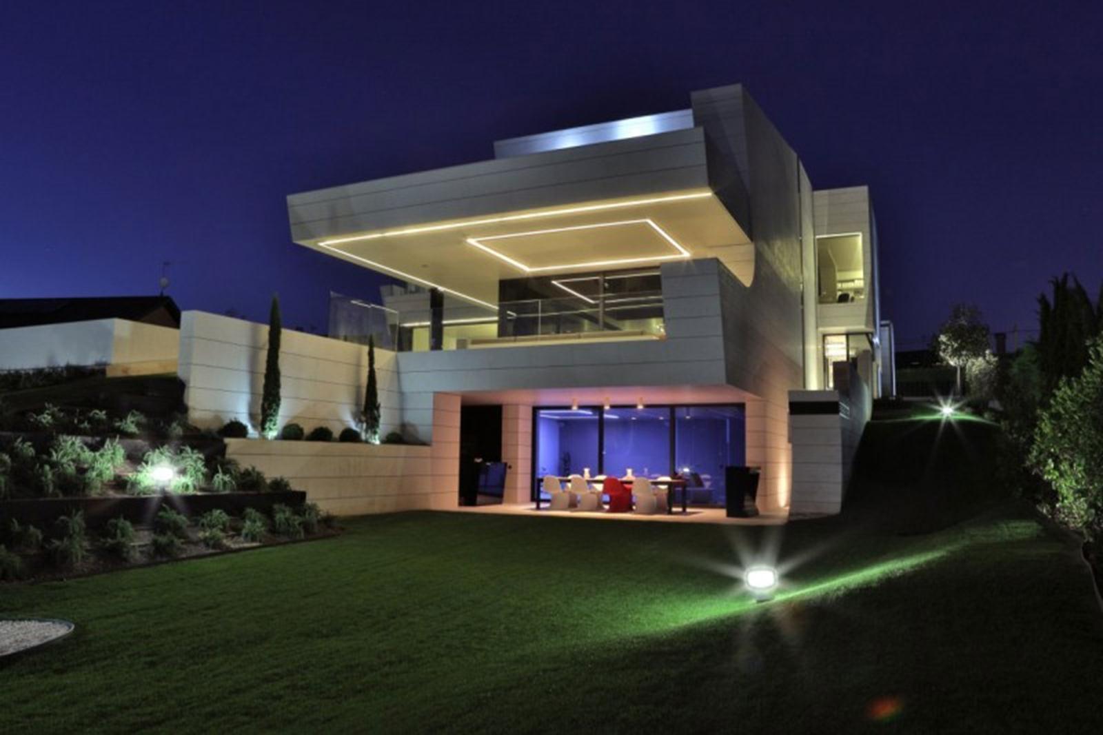 Balcony House thiết kế bởi A-cero