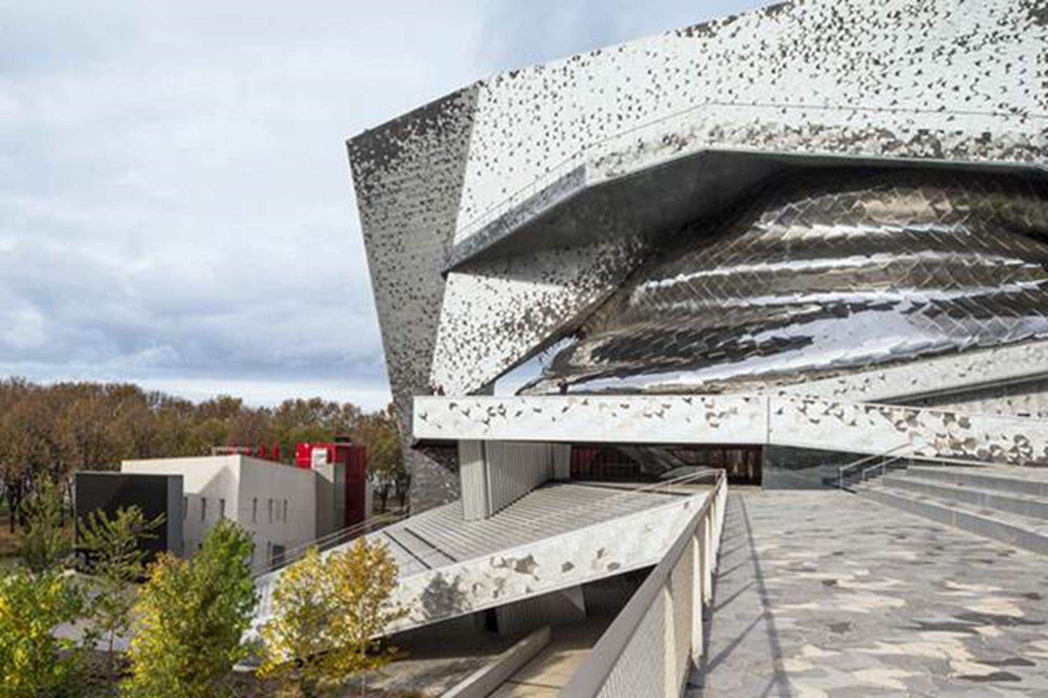Tòa nhà được hình thành như một phòng hòa nhạc lớn đầu tiên của Thủ đô nước Pháp.