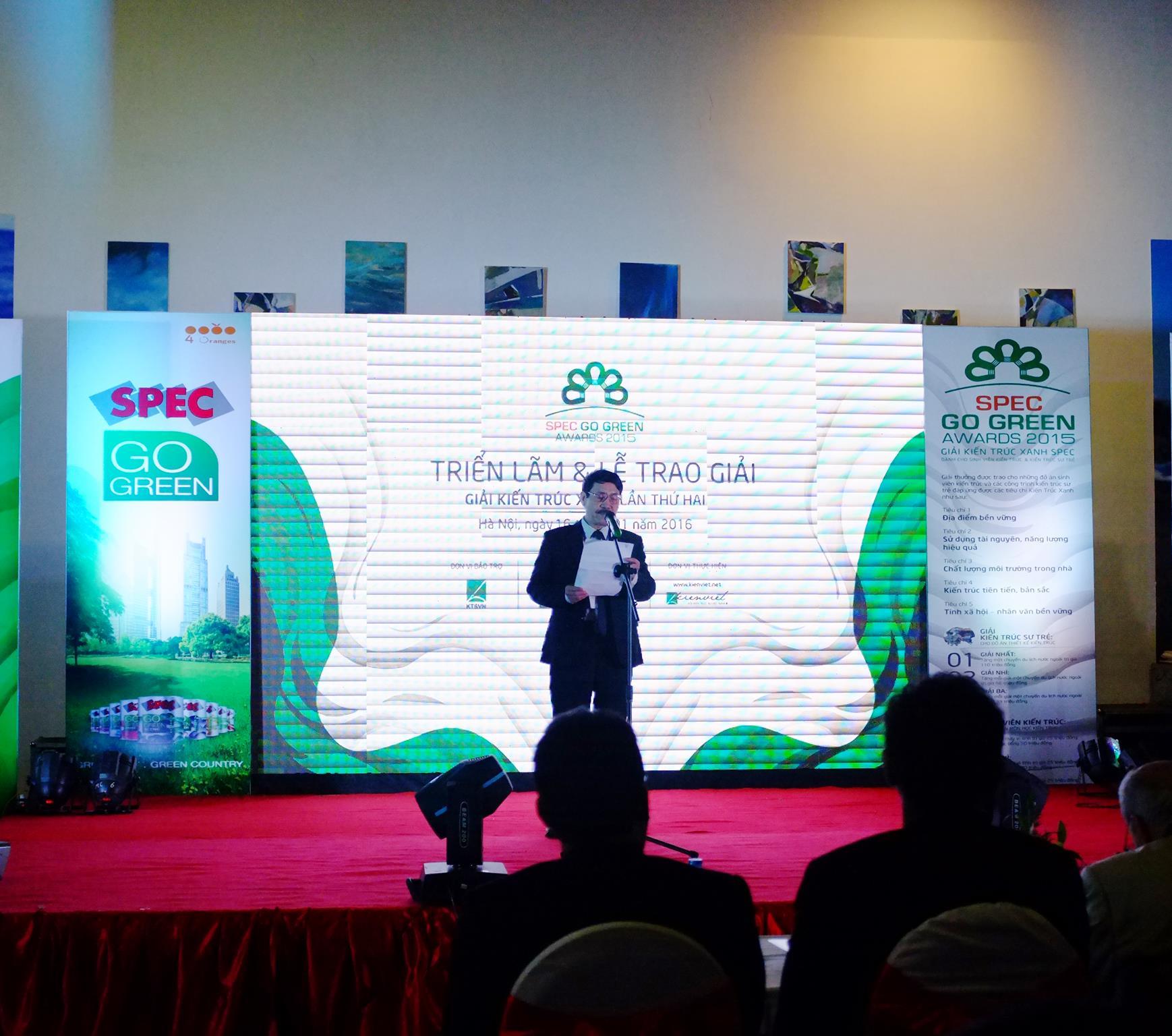 Ông Ngô Doãn Đức - Trưởng BTC giải phát biểu khai mạc. Ảnh (c) Hoàng Lương