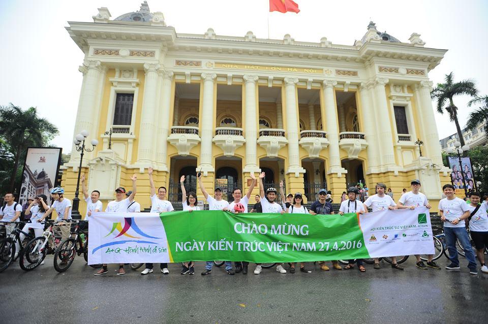 Điểm thứ 02 trong hành trình: Nhà hát lớn Hà Nội