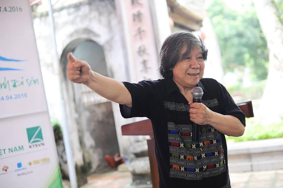 Nhà sử học Lê Văn Lan say mê chia sẻ kiến thức về Thăng Long, những câu chuyện lịch sử, văn hóa hòa quyện với sự nhiệt tình của một tinh thần nhiệt huyết hấp dẫn các KTS trẻ