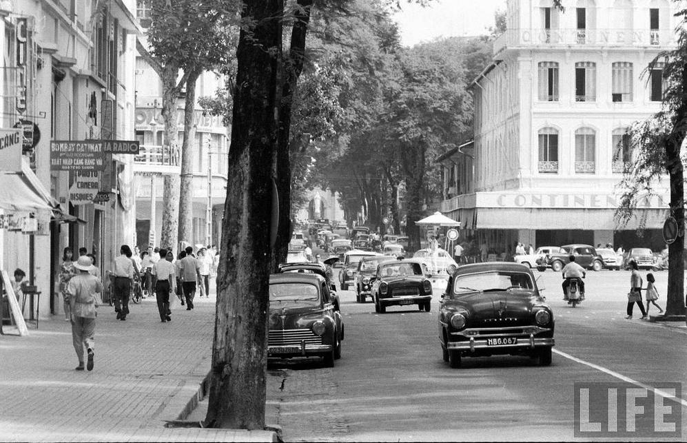 Đường Tự Do (nay là Đồng Khởi) năm 1961 - Ảnh: LIFE