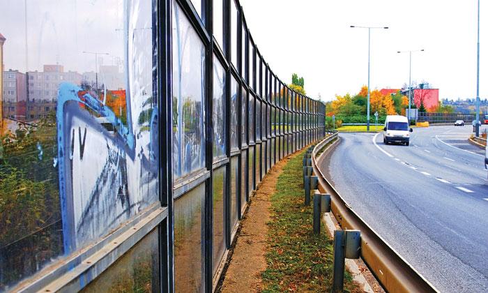 Tường cách âm bên xa lộ, vật liệu khung thép và kính chịu lực cao