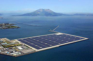 Nhà máy điện mặt trời nổi của công ty Kyocera - Nhật được triển khai sau thảm họa nhà máy điện hạt nhân Fukushima năm 2011