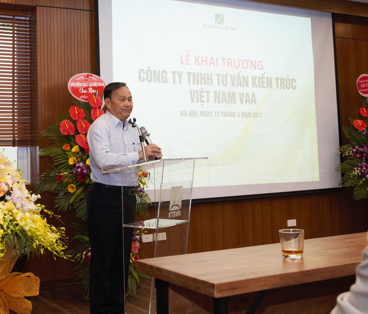 Chủ tịch Hội KTSVN – KTS. Nguyễn Tấn Vạn phát biểu
