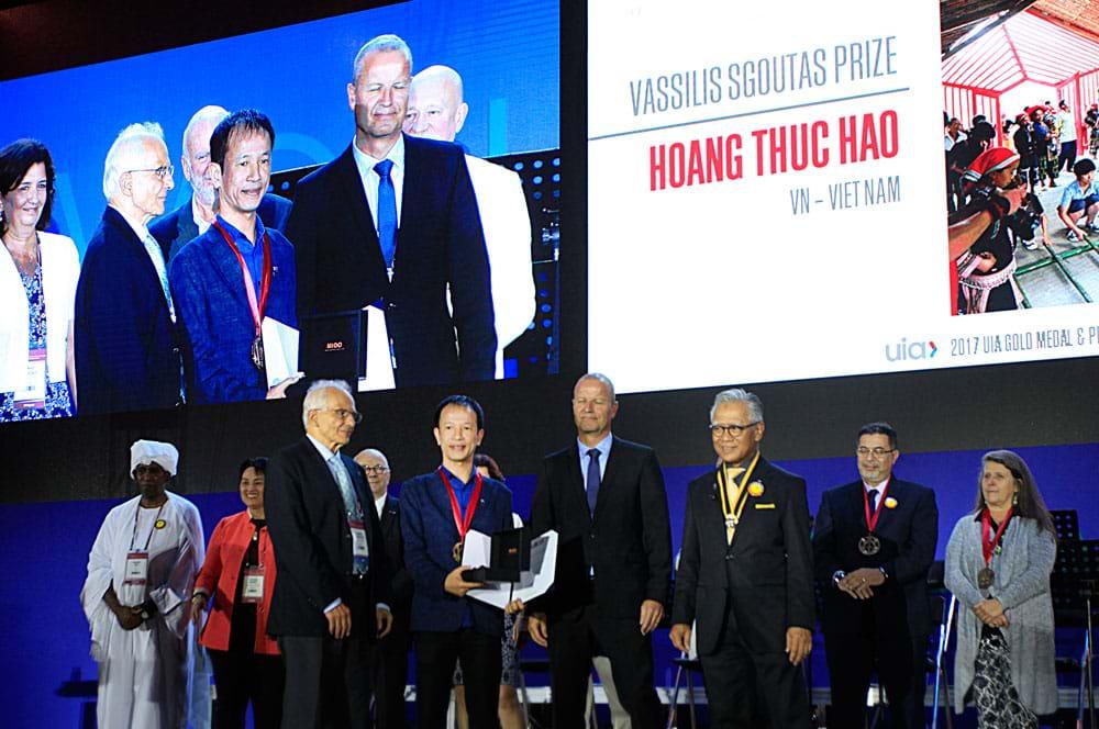 KTS. Hoàng Thúc Hào là người Việt Nam đầu tiên được nhận hai giải thưởng quốc tế danh giá: Kiến trúc sư nổi bật châu Á năm 2016 và giải Vassilis Sgoutas 2017