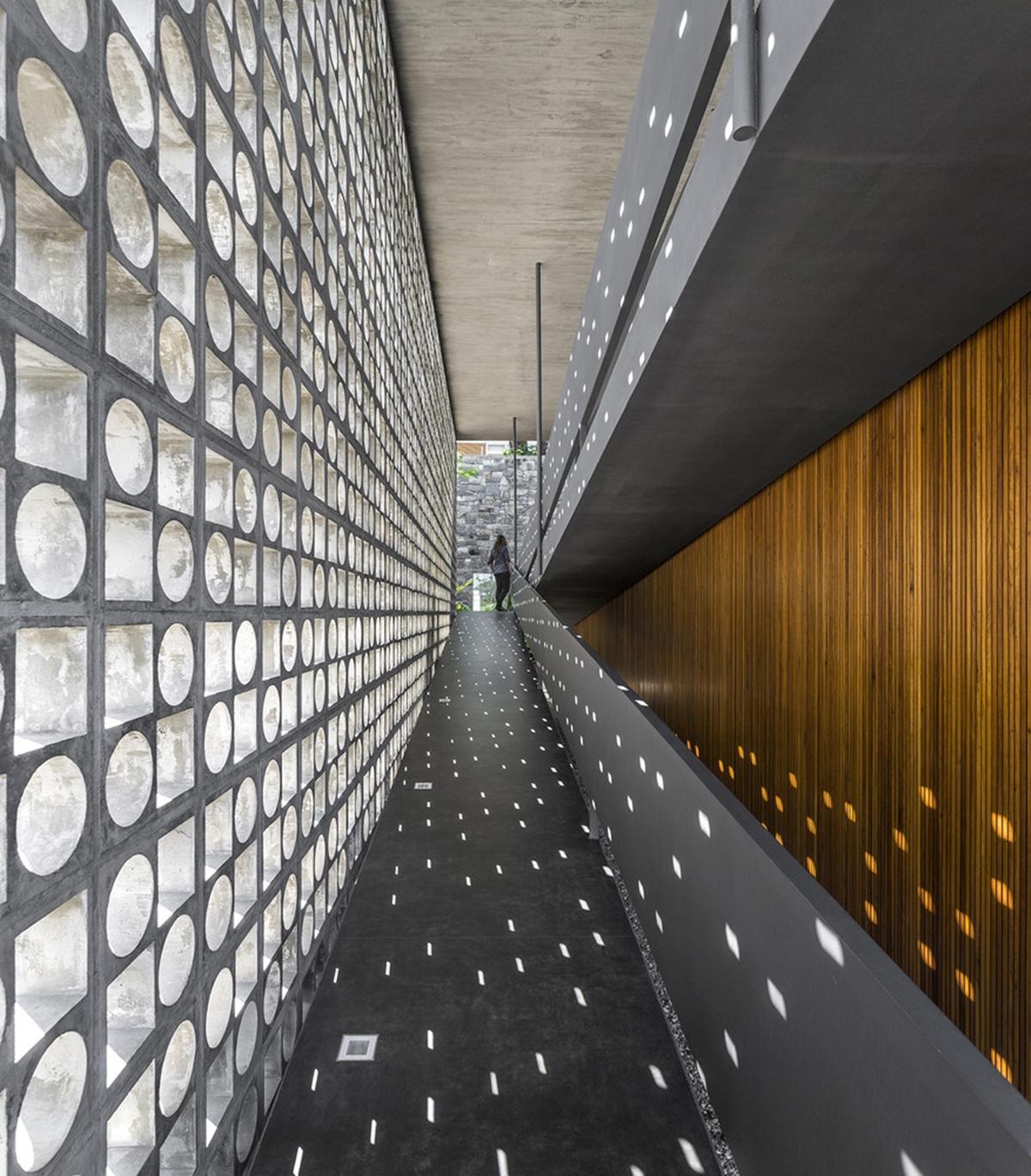 Lam bê tông sử dụng để chống nắng cho công trình