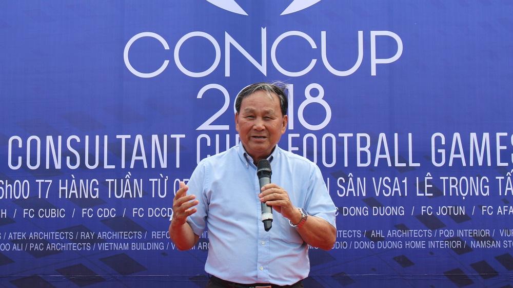 Chủ tịch Hội KTSVN Nguyễn Tấn Vạn phát biểu chào mừng giải đấu