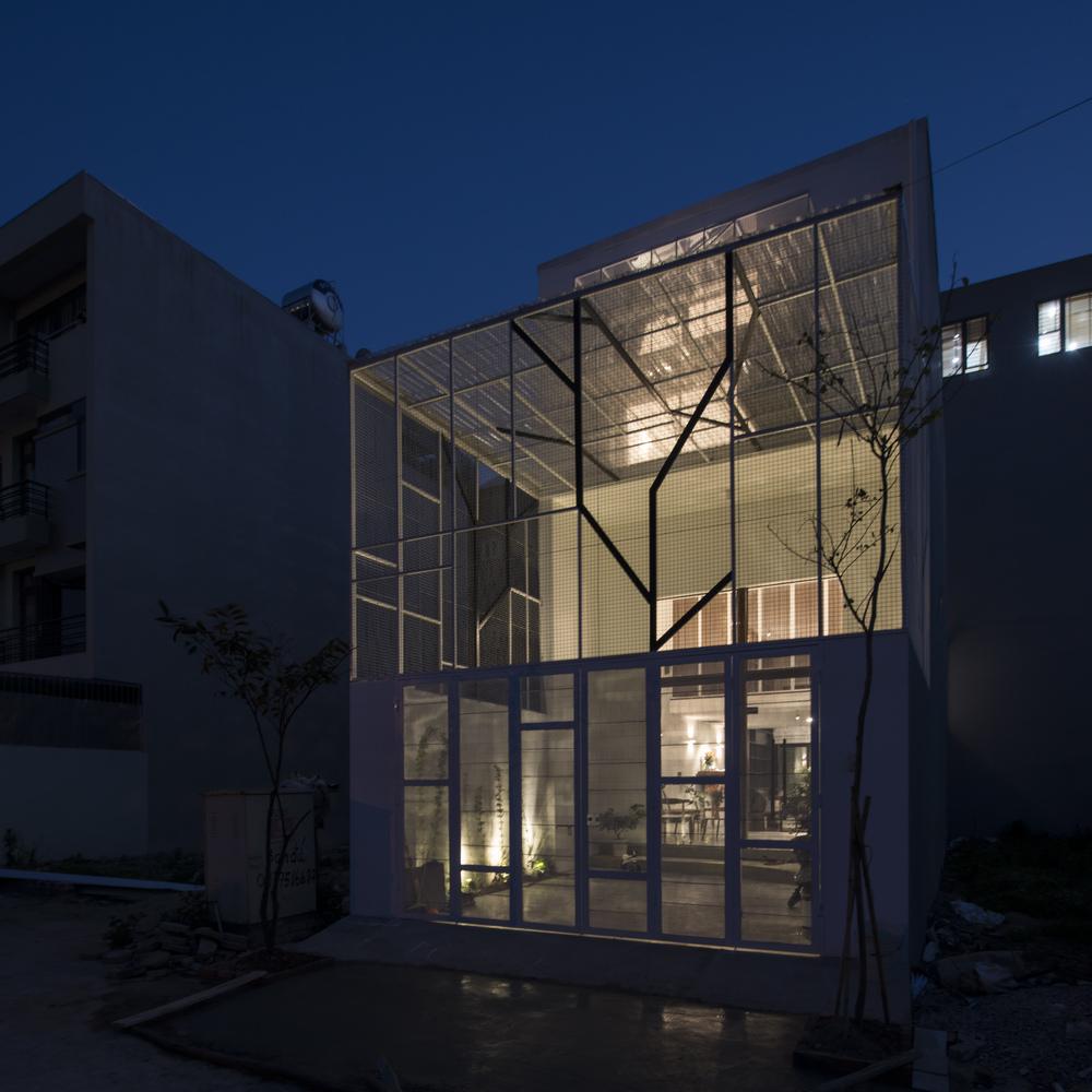 Ngôi nhà được xây dựng trên diện tích 5mx12m