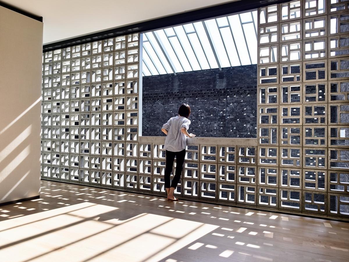 kien viet biet thu voi can phong khong mai hyla architects 16 - Biệt thự với căn phòng không mái | HYLA Architects