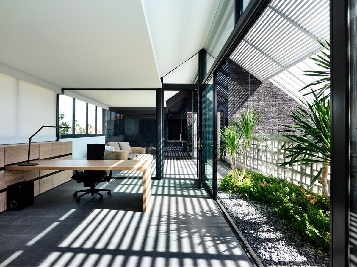 kien viet biet thu voi can phong khong mai hyla architects 19 - Biệt thự với căn phòng không mái | HYLA Architects