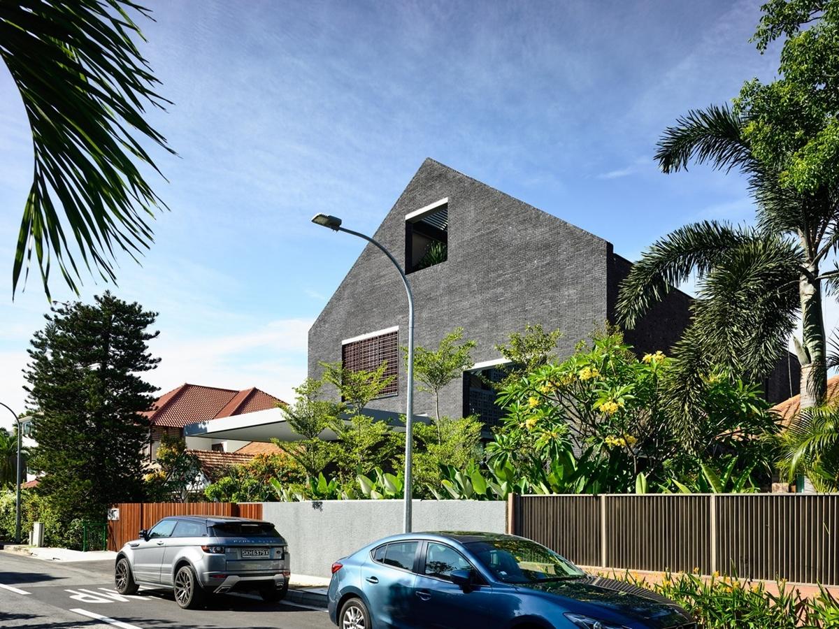 kien viet biet thu voi can phong khong mai hyla architects 9 - Biệt thự với căn phòng không mái | HYLA Architects