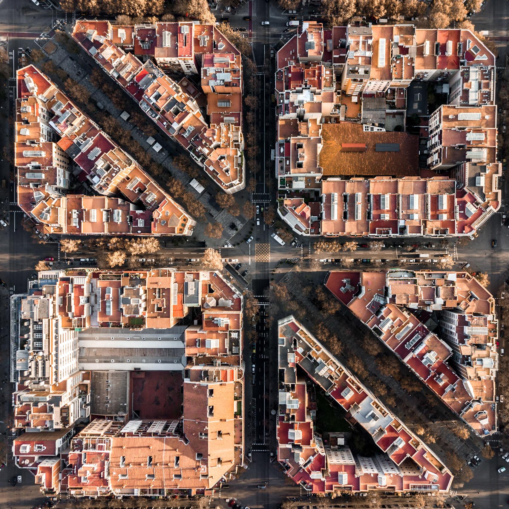 loat-anh-tai-hien-mot-barcelona-trat-tu-va-doi-xung-kien-viet-2.jpg