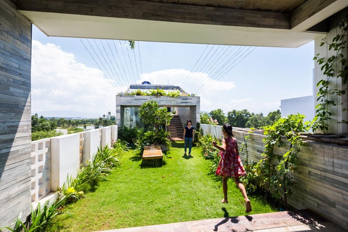 Công viên xanh trên mái nhà ống   Ho Khue Architects