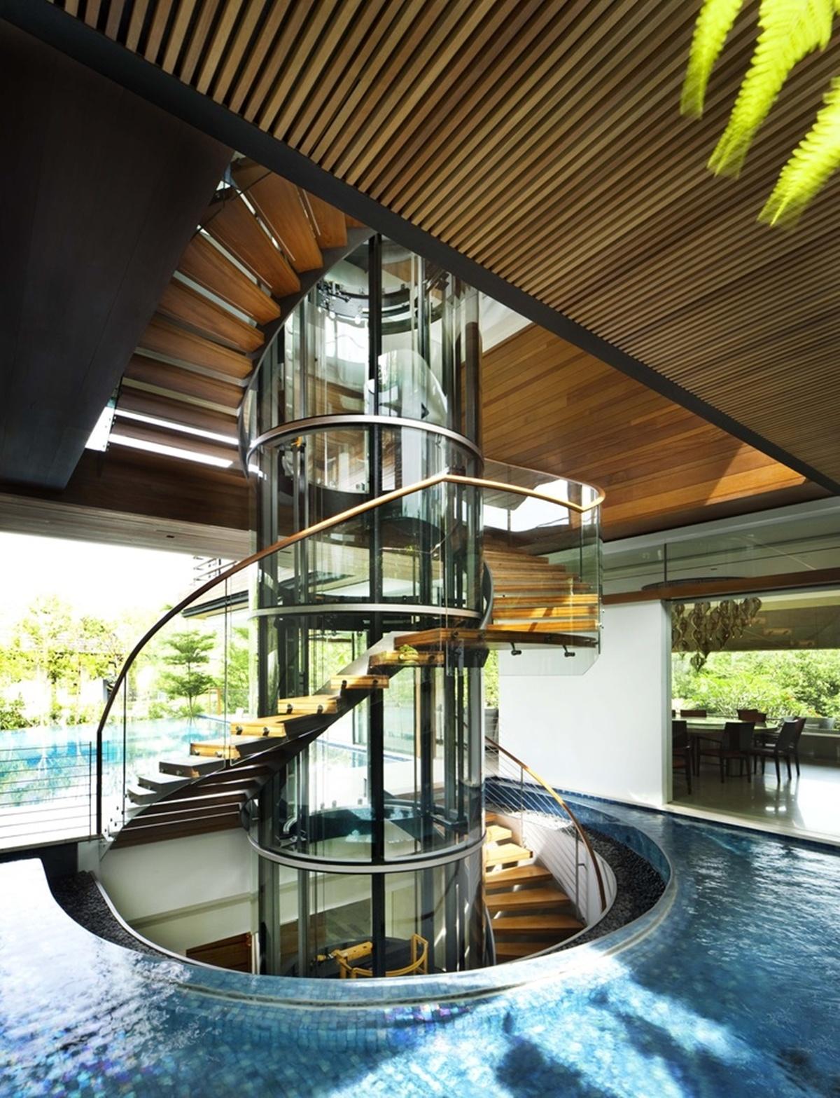 Cầu thang xoắn ấn tượng của không gian xanh