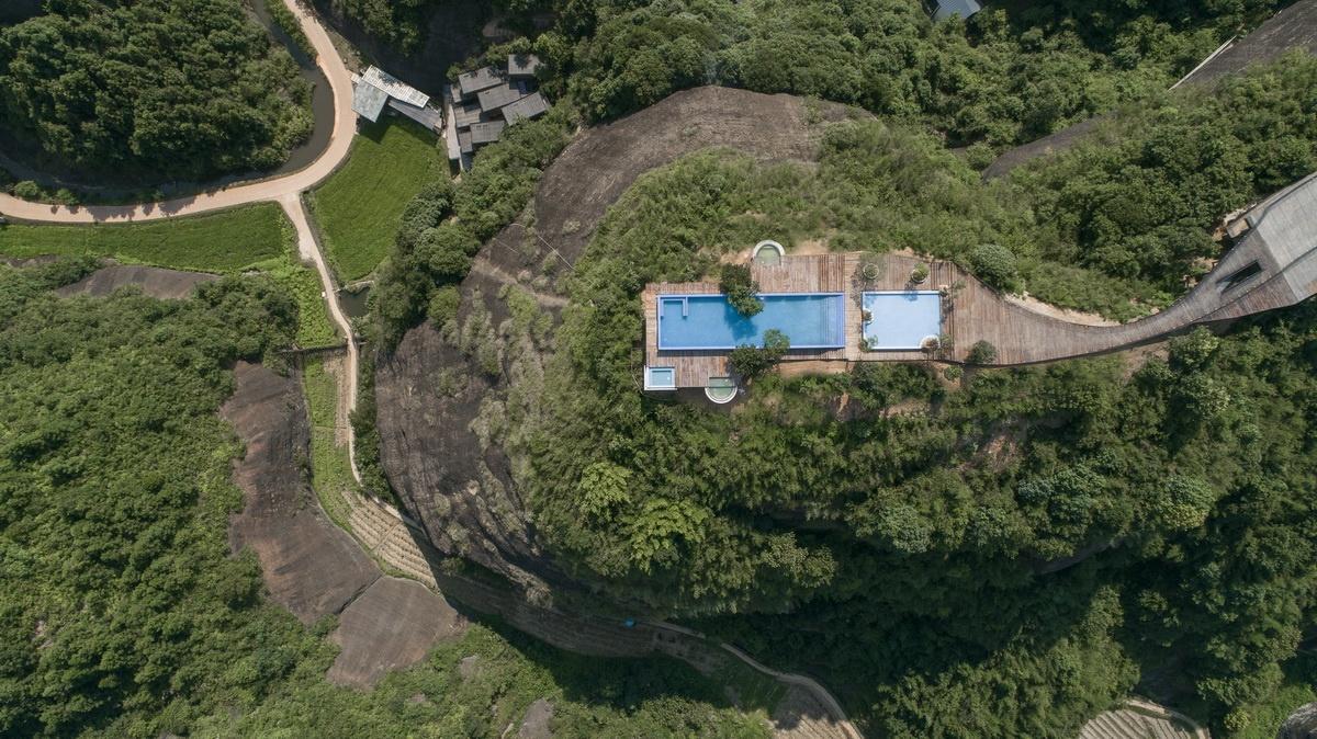 Eagle-rock-cliffs-Khach-san-sang-trong-giua-nui-rung-kien-viet-5.jpg