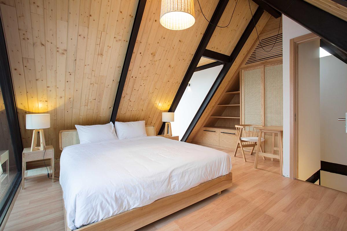 Maison Mansardée - Villa bằng thép dưới chân núi Sơn Trà | 85 Design
