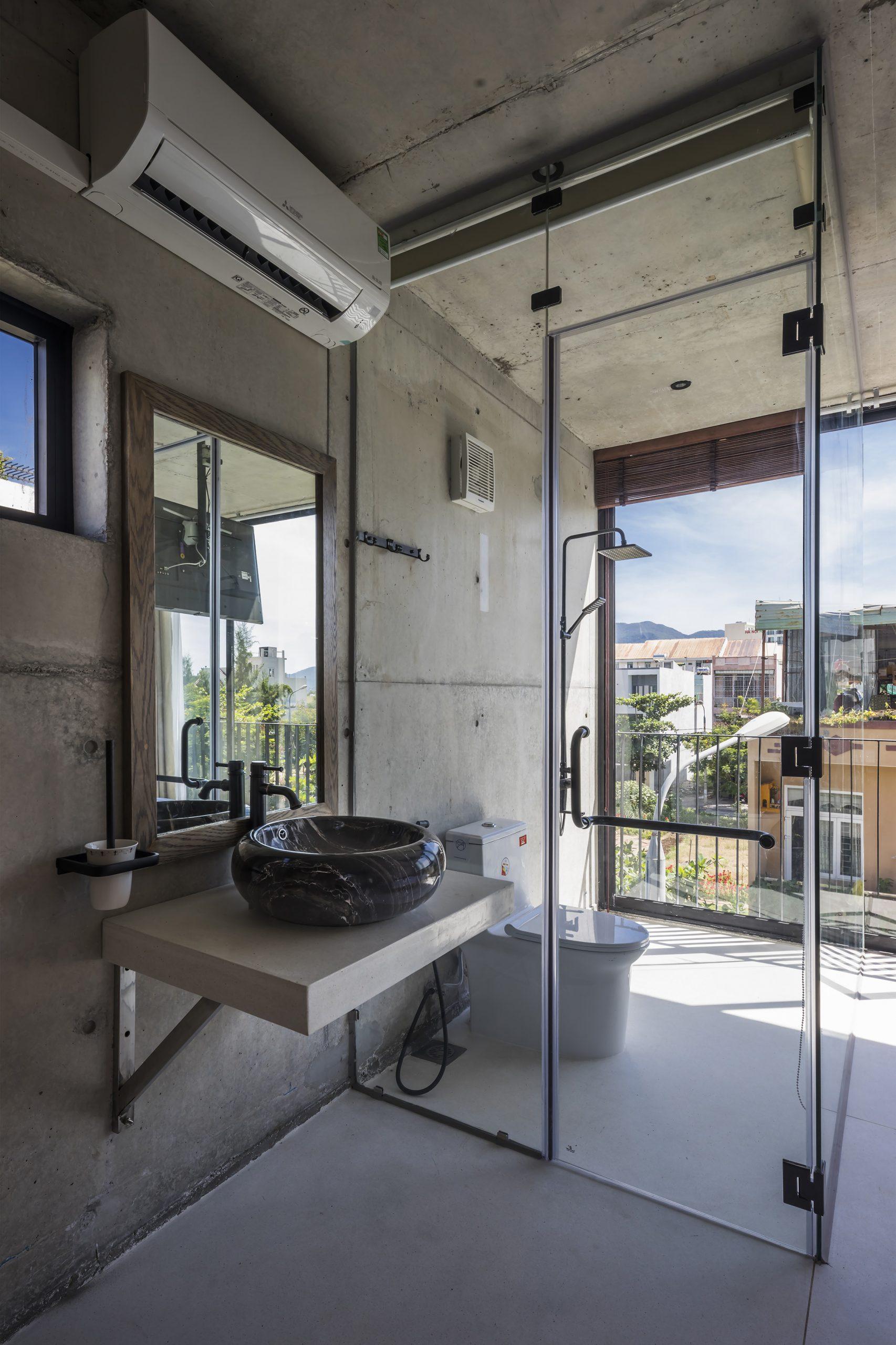 0485 scaled - The Concrete House 01 / Ho Khue Architects: Ngôi nhà 4 tầng với diện tích lô 5m x 16m