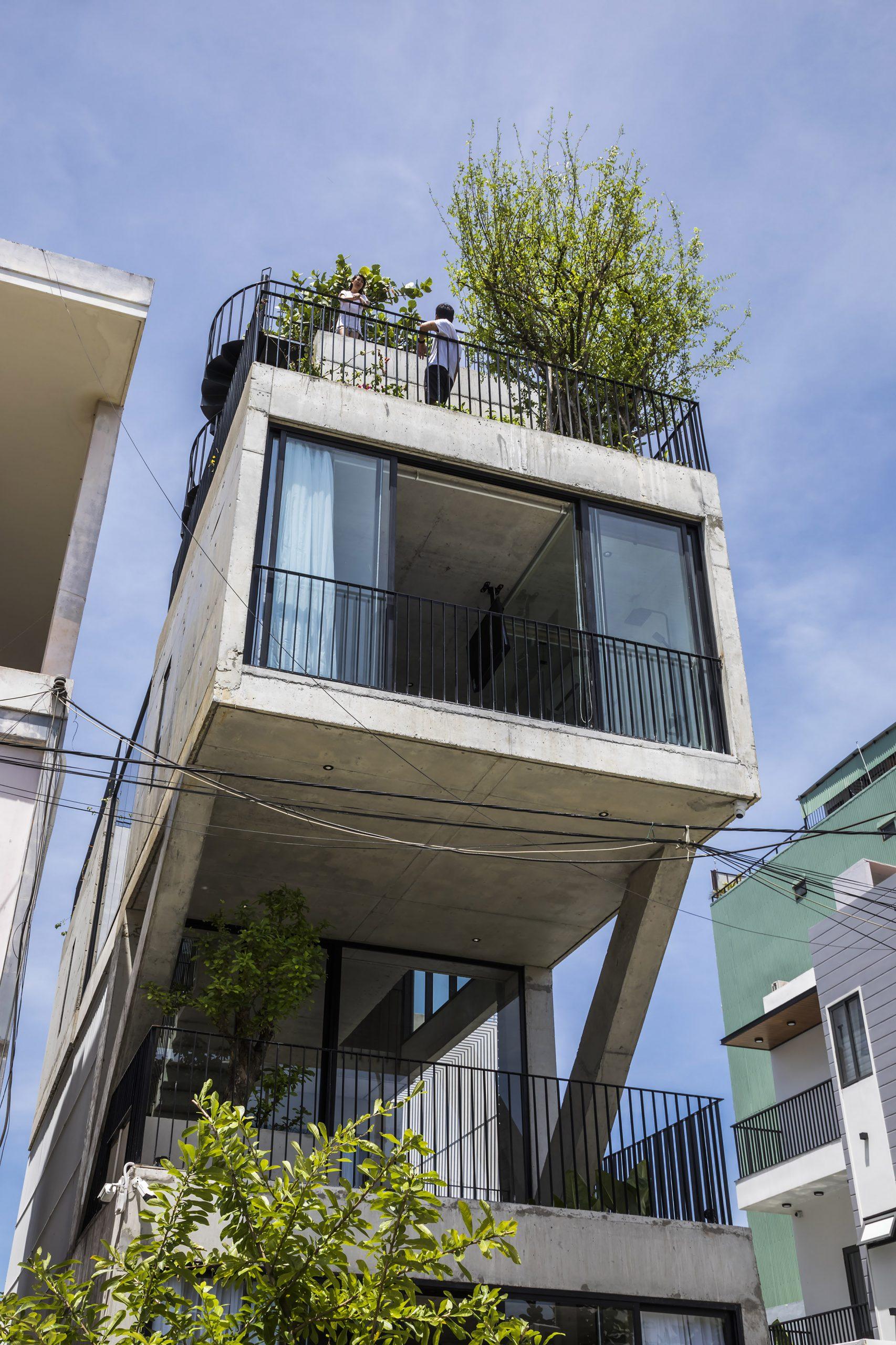 0512 scaled - The Concrete House 01 / Ho Khue Architects: Ngôi nhà 4 tầng với diện tích lô 5m x 16m