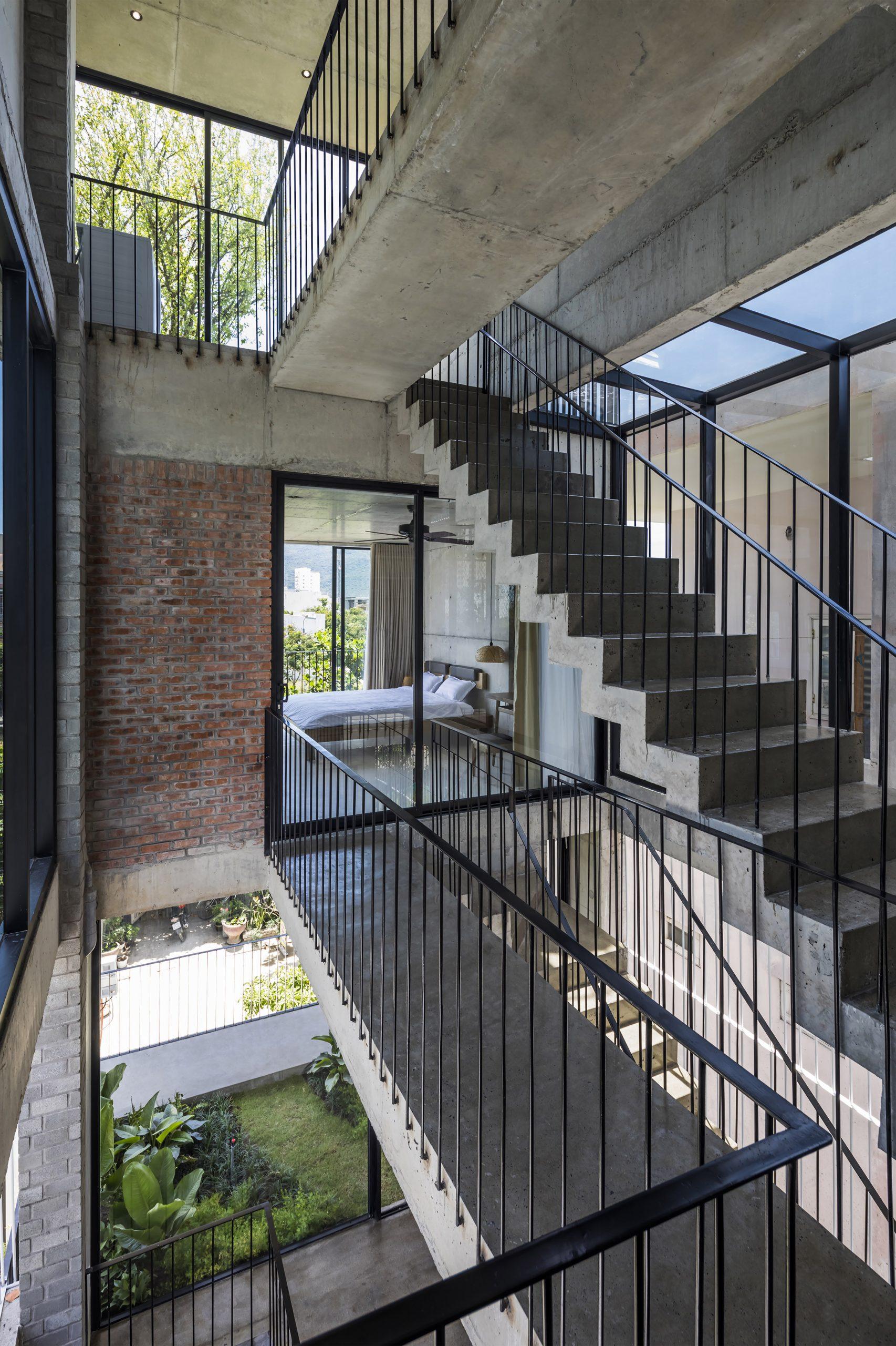 0579 scaled - The Concrete House 01 / Ho Khue Architects: Ngôi nhà 4 tầng với diện tích lô 5m x 16m