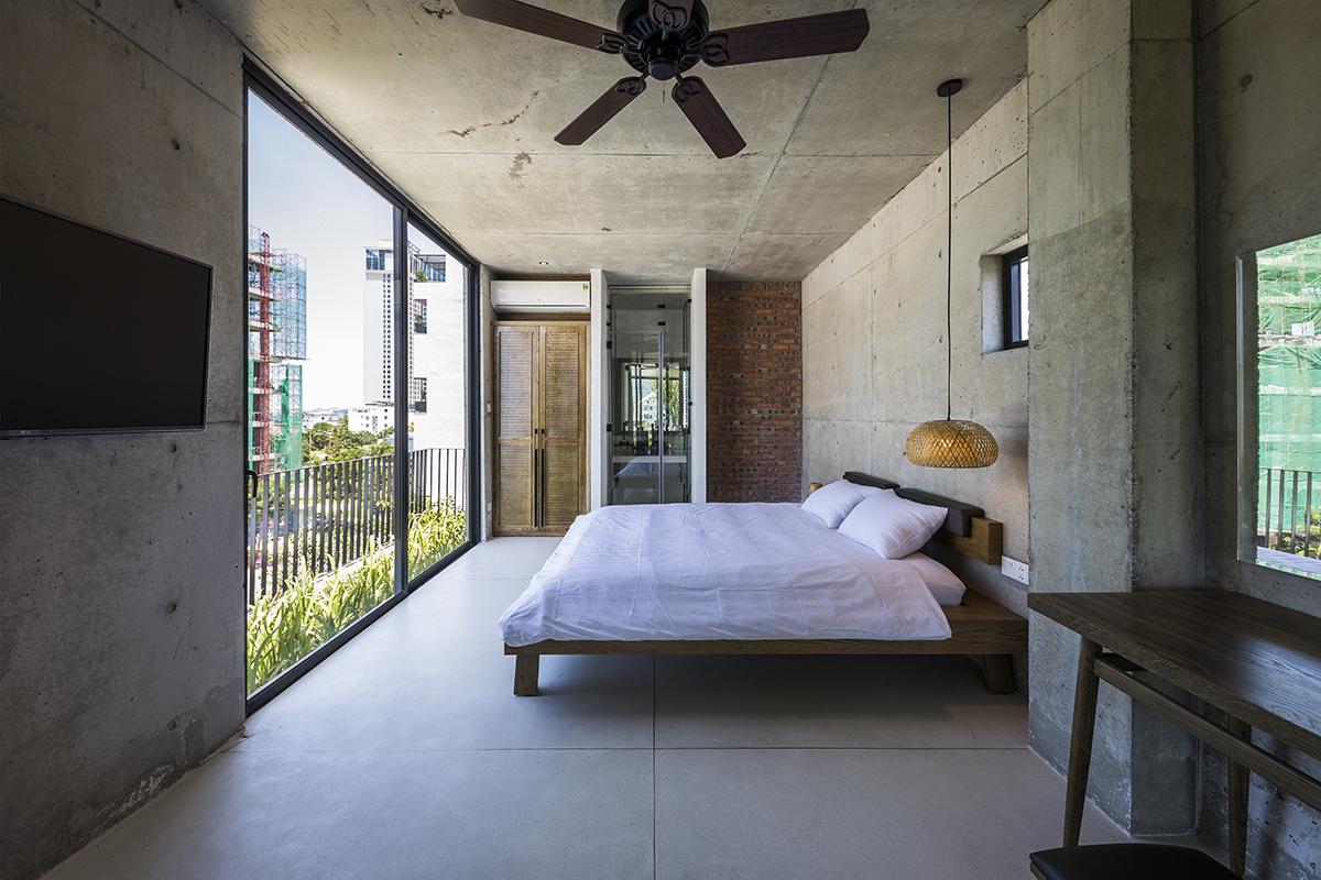 0645 - The Concrete House 01 / Ho Khue Architects: Ngôi nhà 4 tầng với diện tích lô 5m x 16m