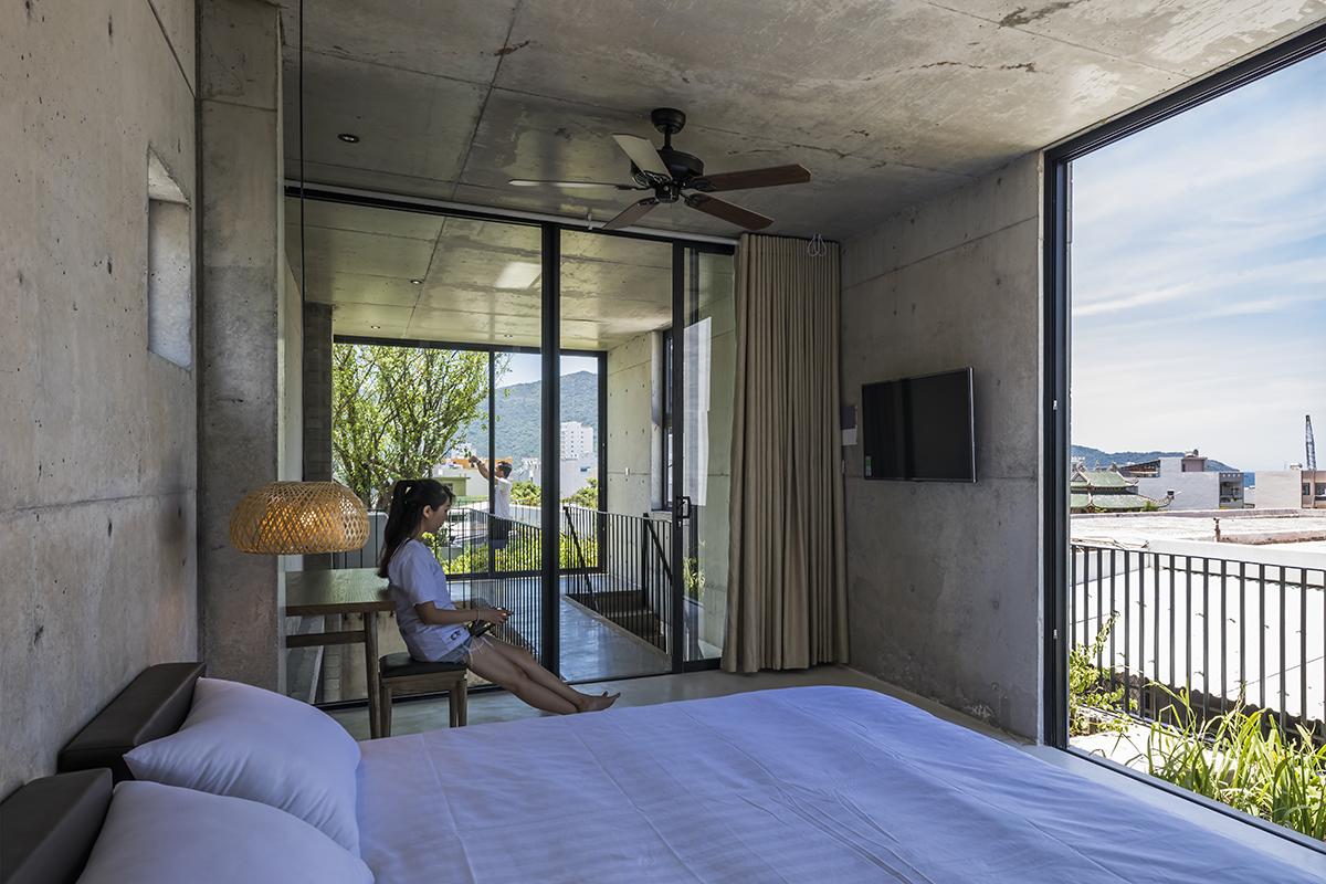 0652 - The Concrete House 01 / Ho Khue Architects: Ngôi nhà 4 tầng với diện tích lô 5m x 16m