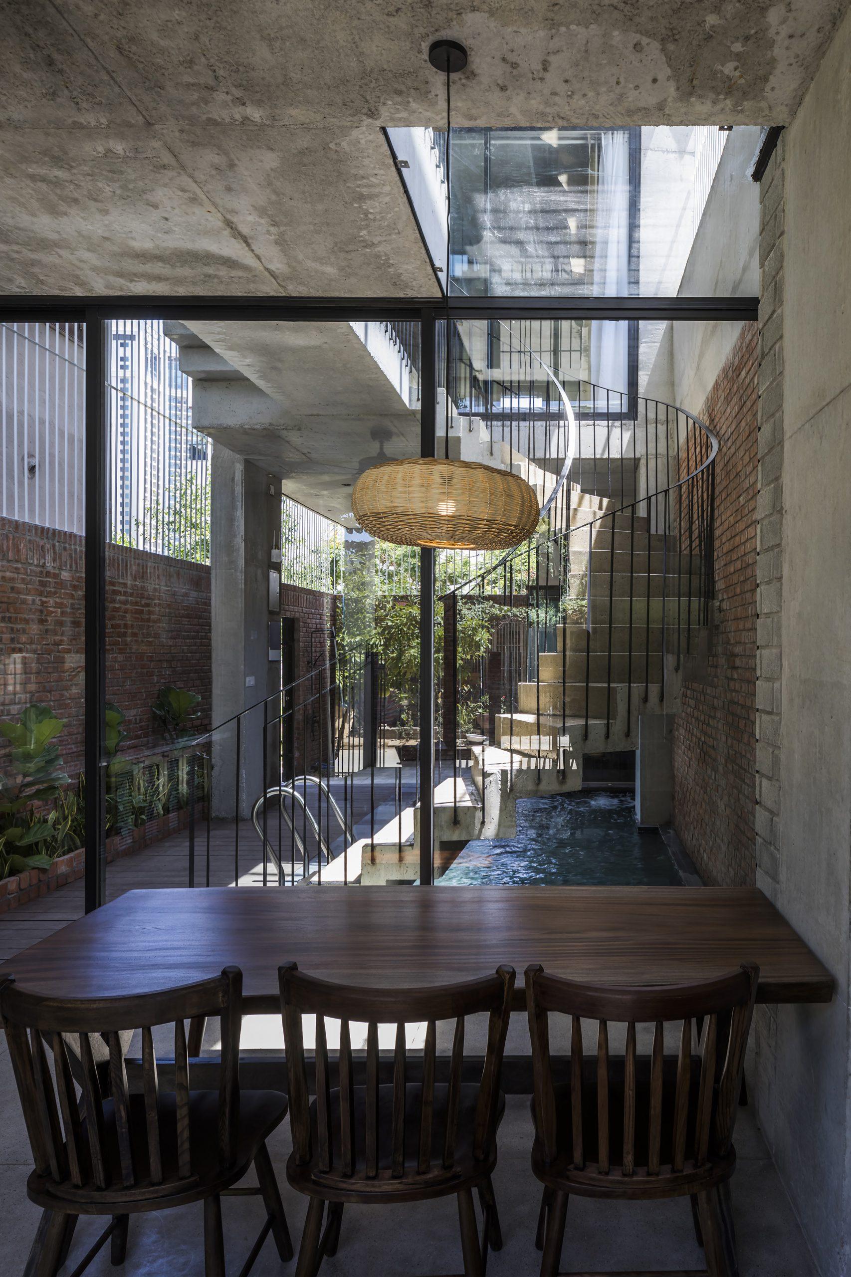 0698 scaled - The Concrete House 01 / Ho Khue Architects: Ngôi nhà 4 tầng với diện tích lô 5m x 16m
