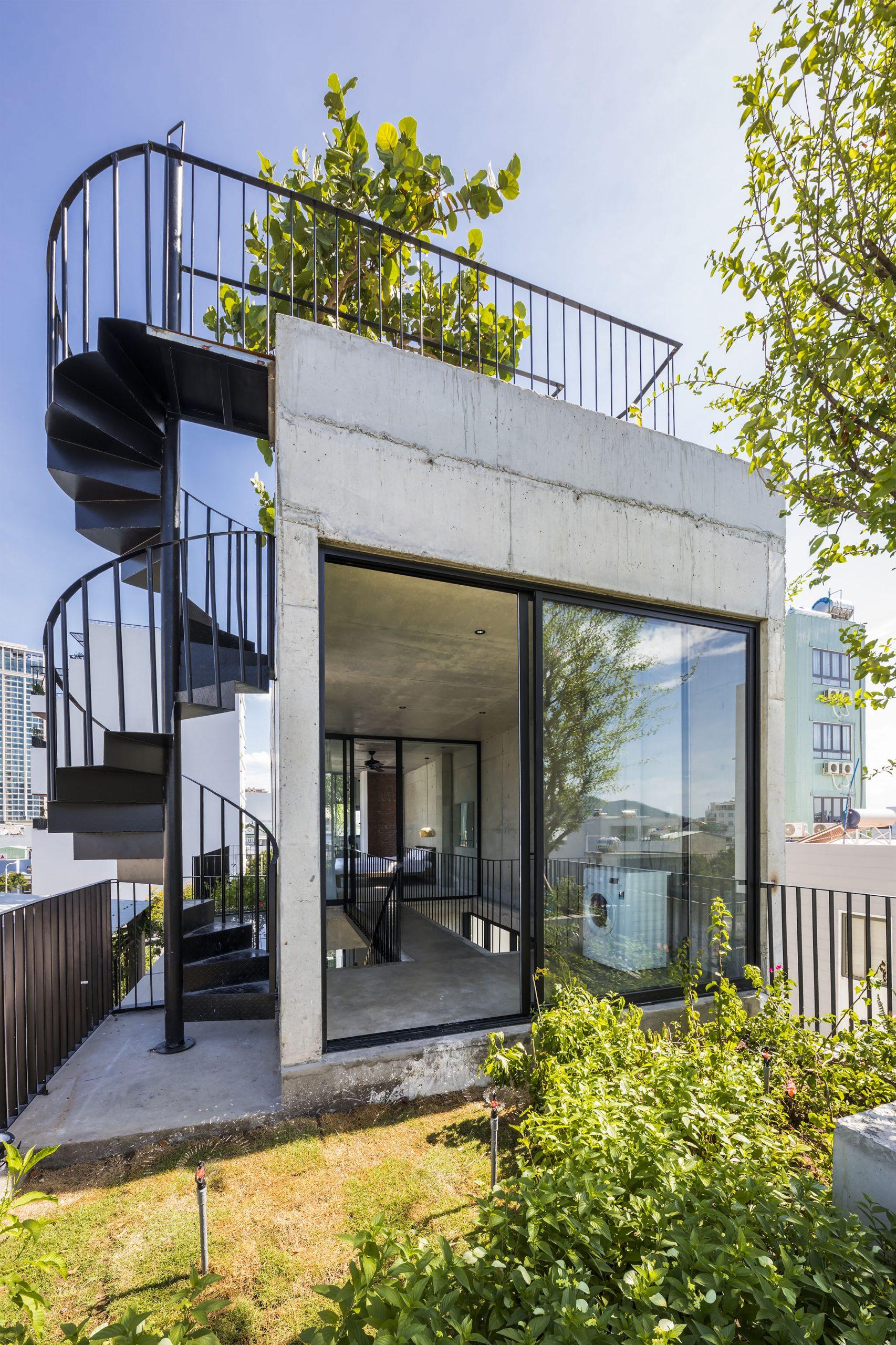 0807 scaled - The Concrete House 01 / Ho Khue Architects: Ngôi nhà 4 tầng với diện tích lô 5m x 16m