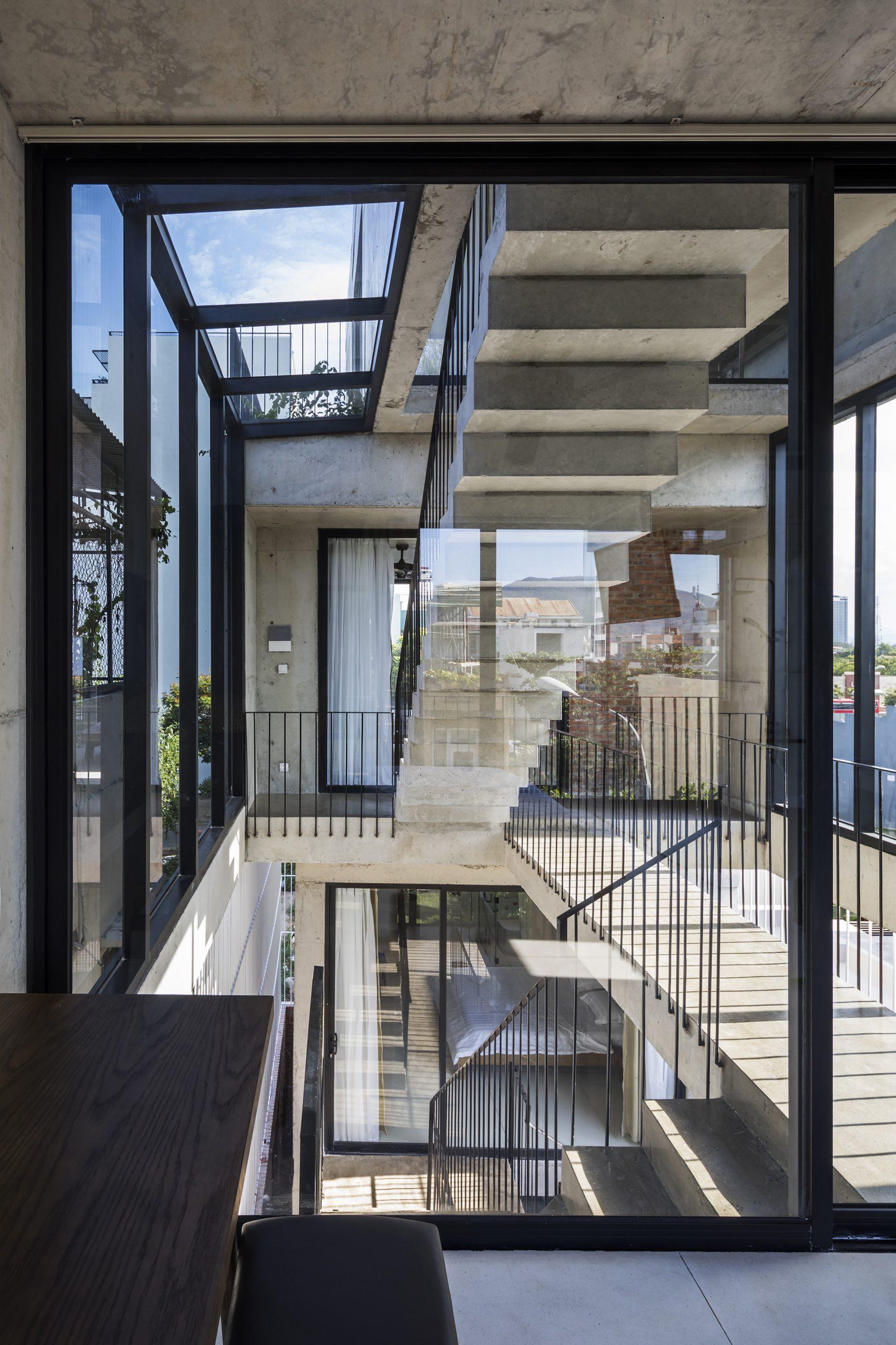 0868 scaled - The Concrete House 01 / Ho Khue Architects: Ngôi nhà 4 tầng với diện tích lô 5m x 16m