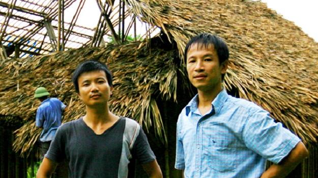 KTS Hoàng Thúc Hào cùng đồng nghiệp trong một dự án kiến trúc xanh .
