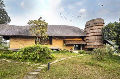 Nhà của ông Hùng- Nhà ở nông thôn đương đại / 1+1>2 Architects