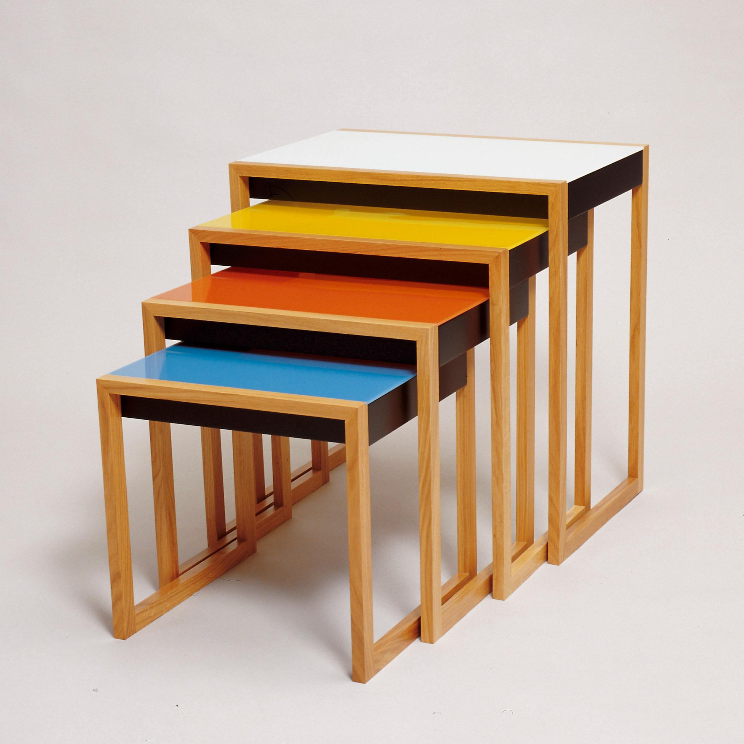 Bàn xếp thiết kế bởi Josef Albers