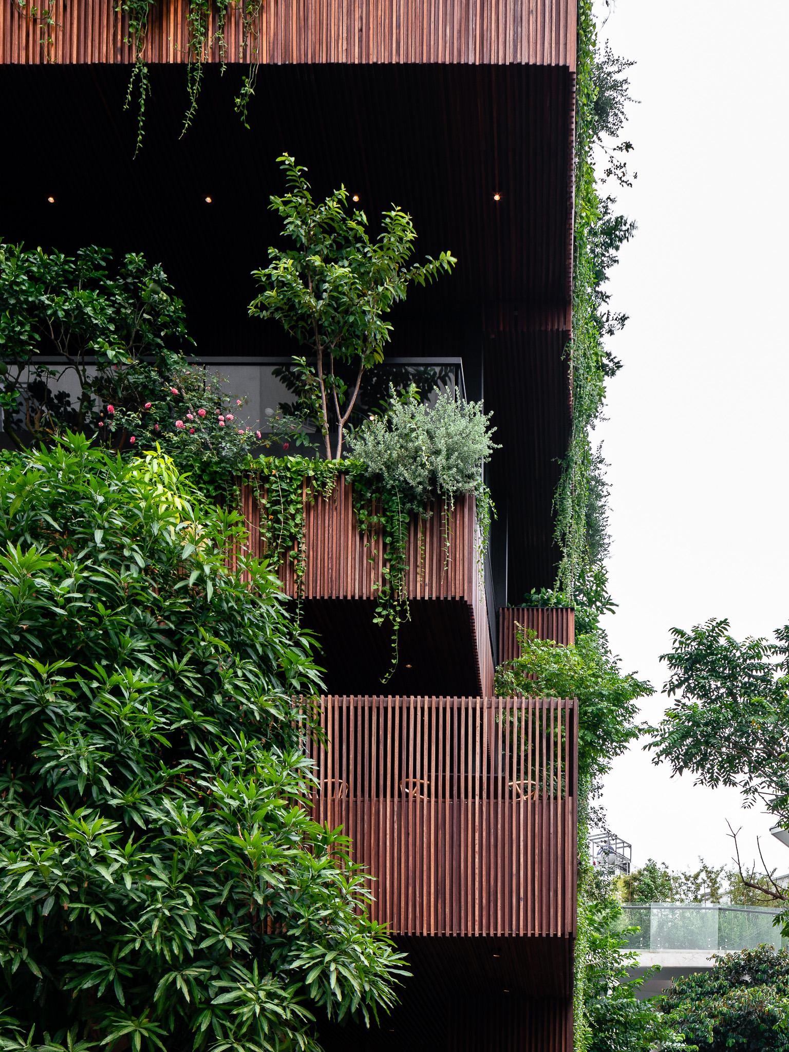 3 1 - NamLong Restaurant | HML-architecture