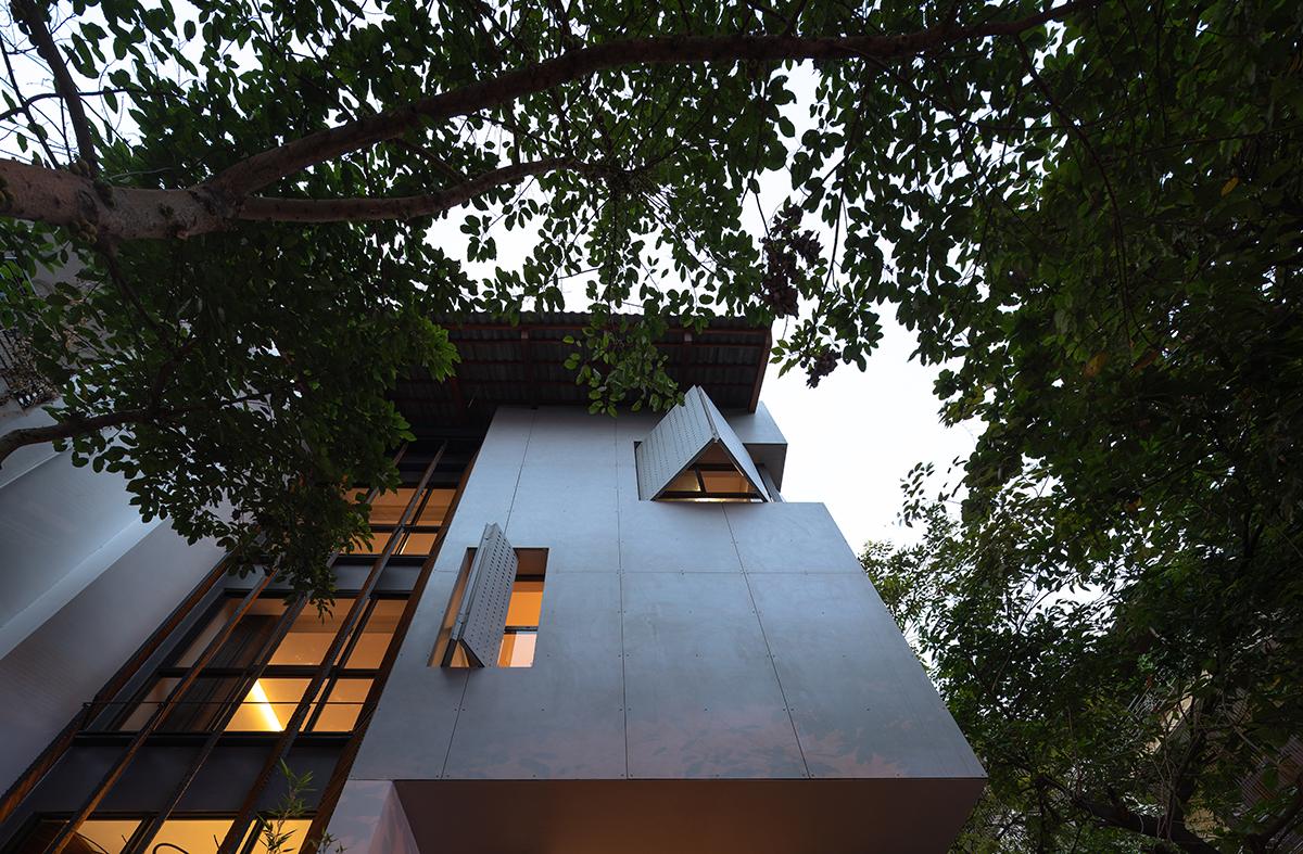 Corner House - Nhà nơi góc phố | TOOB Studio