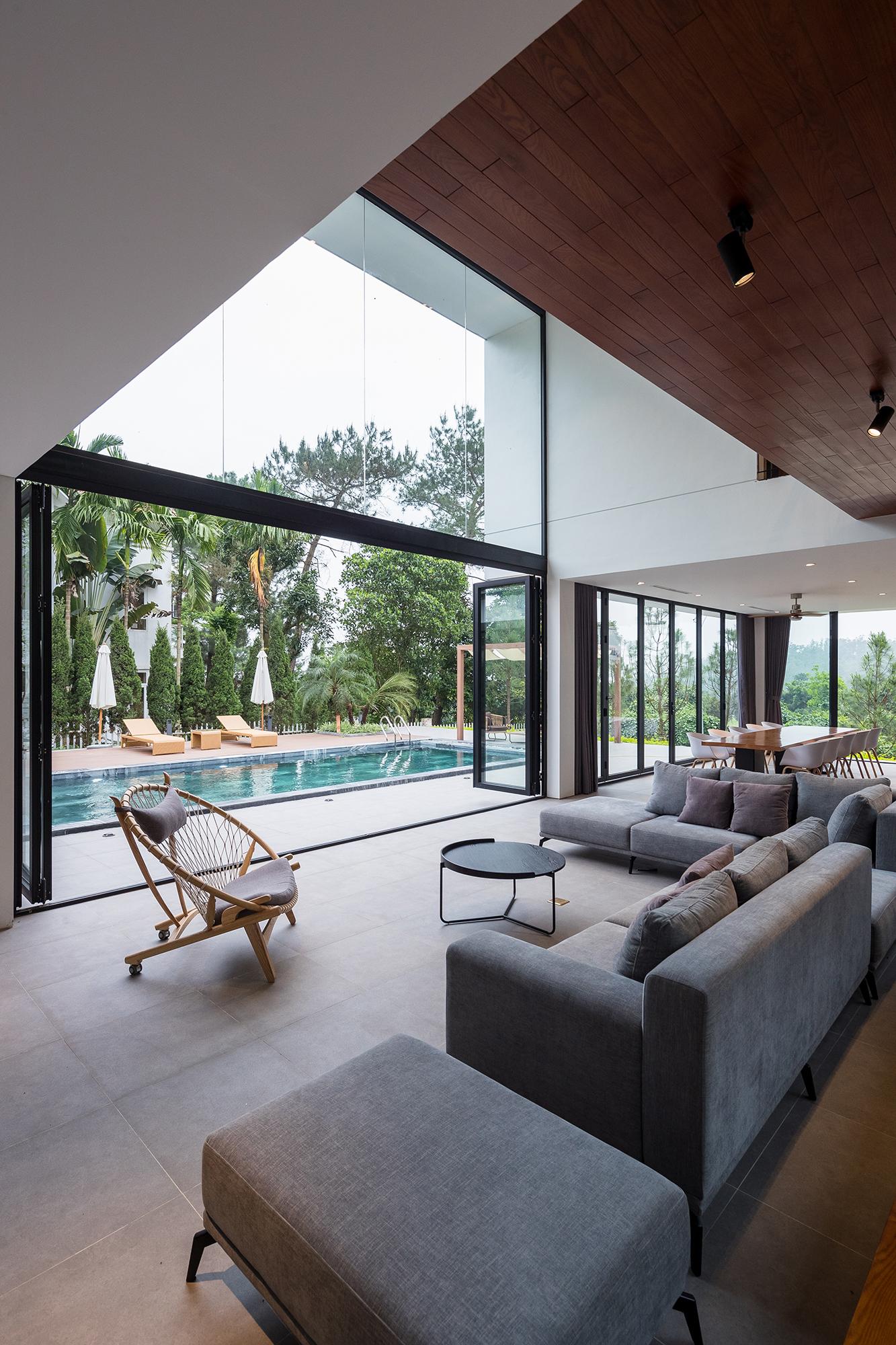 U – space Villa – Biệt thự nghỉ dưỡng với thác nước giữa đồi thông | IDEE Architects