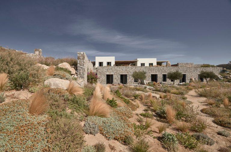 Villa Mandra – Vẻ đẹp hoang sơ thời hiện đại | K-Studio