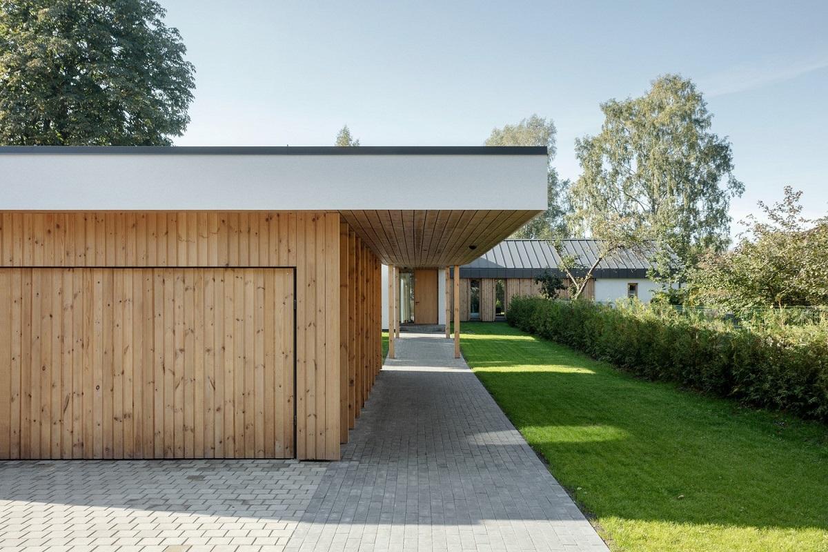 Tận dụng không gian sống với kiểu nhà 4 mái ở Latvia