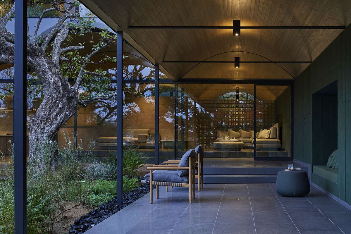 Half Cave House – Ngôi nhà Nửa Hang | Hiroshi Nakamura & NAP