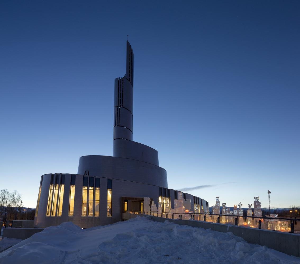 Nhà thờ Northern Lights - điểm ngắm cực quang lý tưởng ở Na Uy