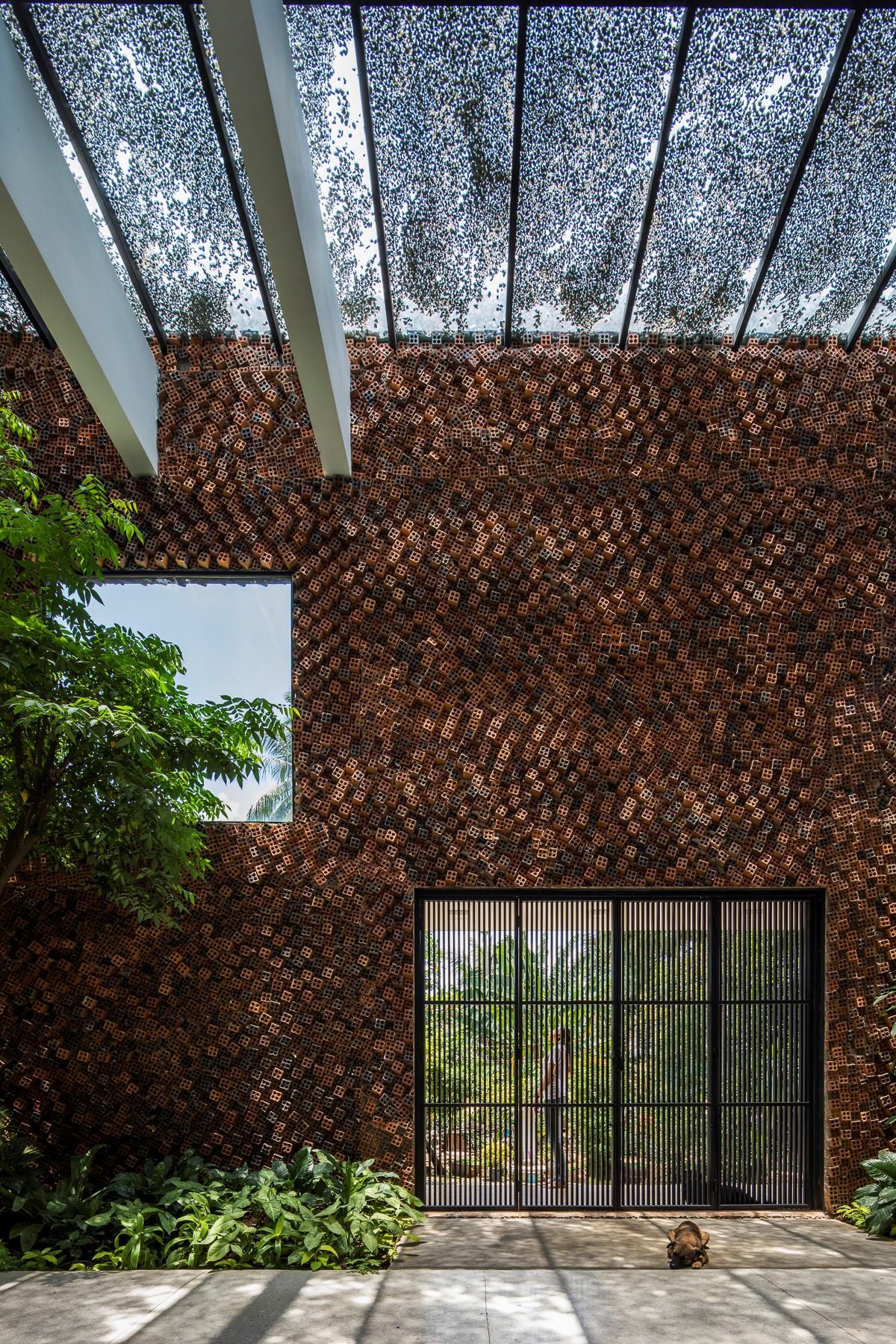 Wall house – Ngôi nhà của sự kết nối không gian mở - CTA   Creative Architects