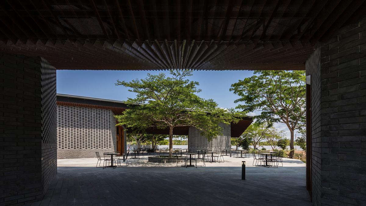 Độc đáo nhà hàng kiến trúc hình cánh chim ở Cần Giờ