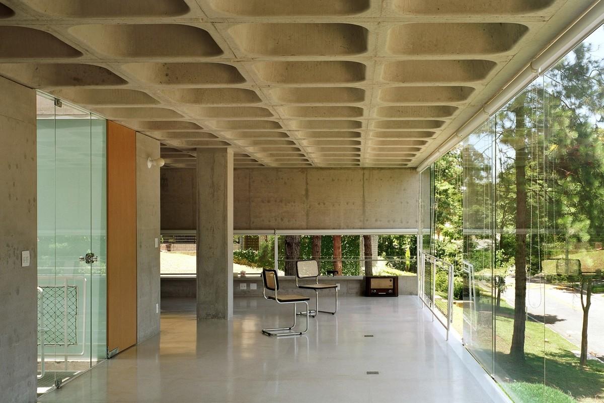 Những vật liệu thường được sử dụng để tạo hình cho bề mặt bê tông