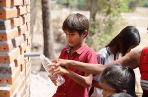 Waterhall - Cung cấp nước uống an toàn ở Campuchia | OOA