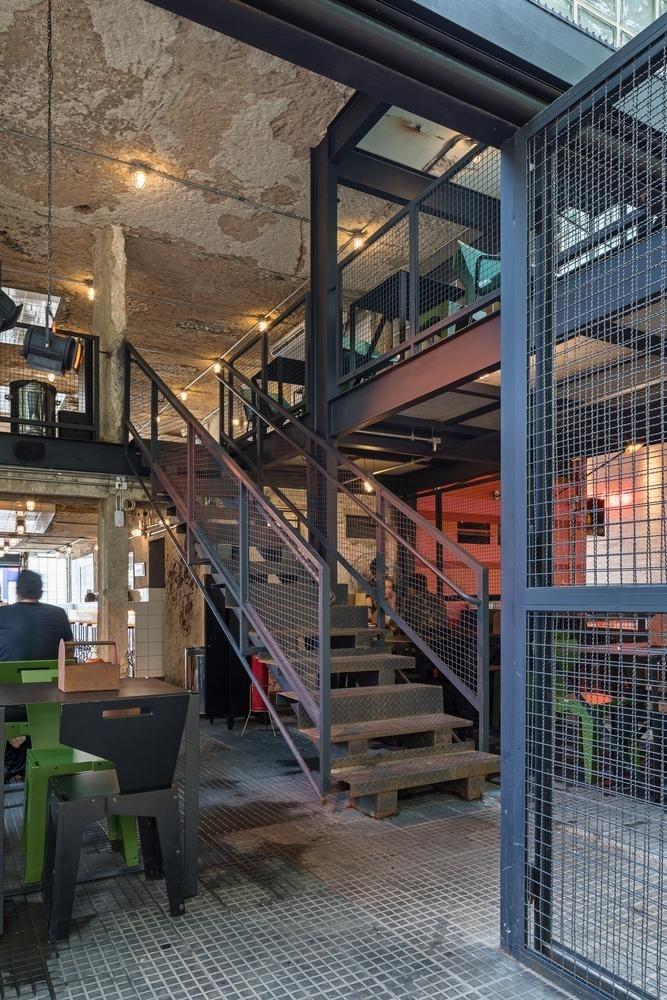Burger Rico - sự sáng tạo từ mặt tiền đến sân sau   BLOCO Arquitetos