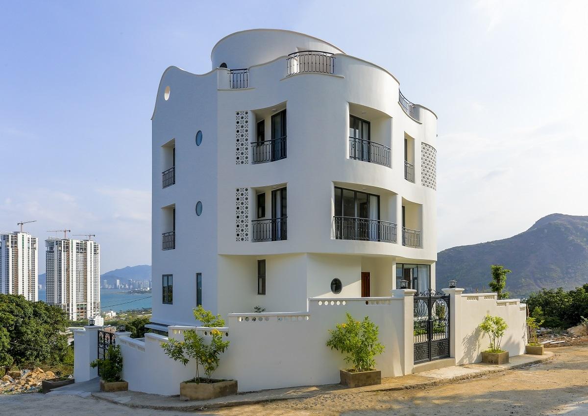 Núi Sạn Villa – ngôi nhà với những đường cong uốn lượn vững chãi | Kaa Architects
