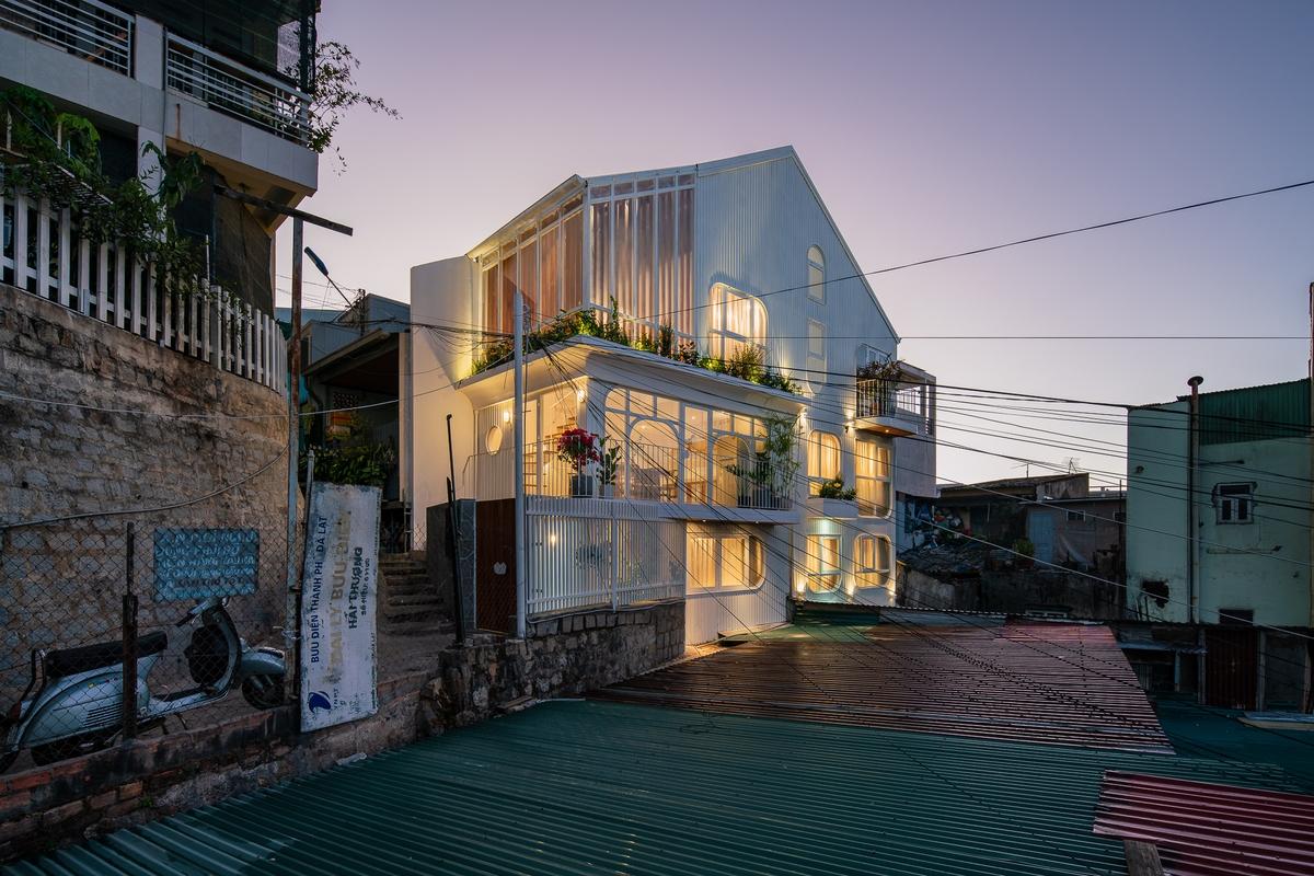 KOMOREBI - Những tia nắng xuyên qua kẽ lá | AD9 Architects