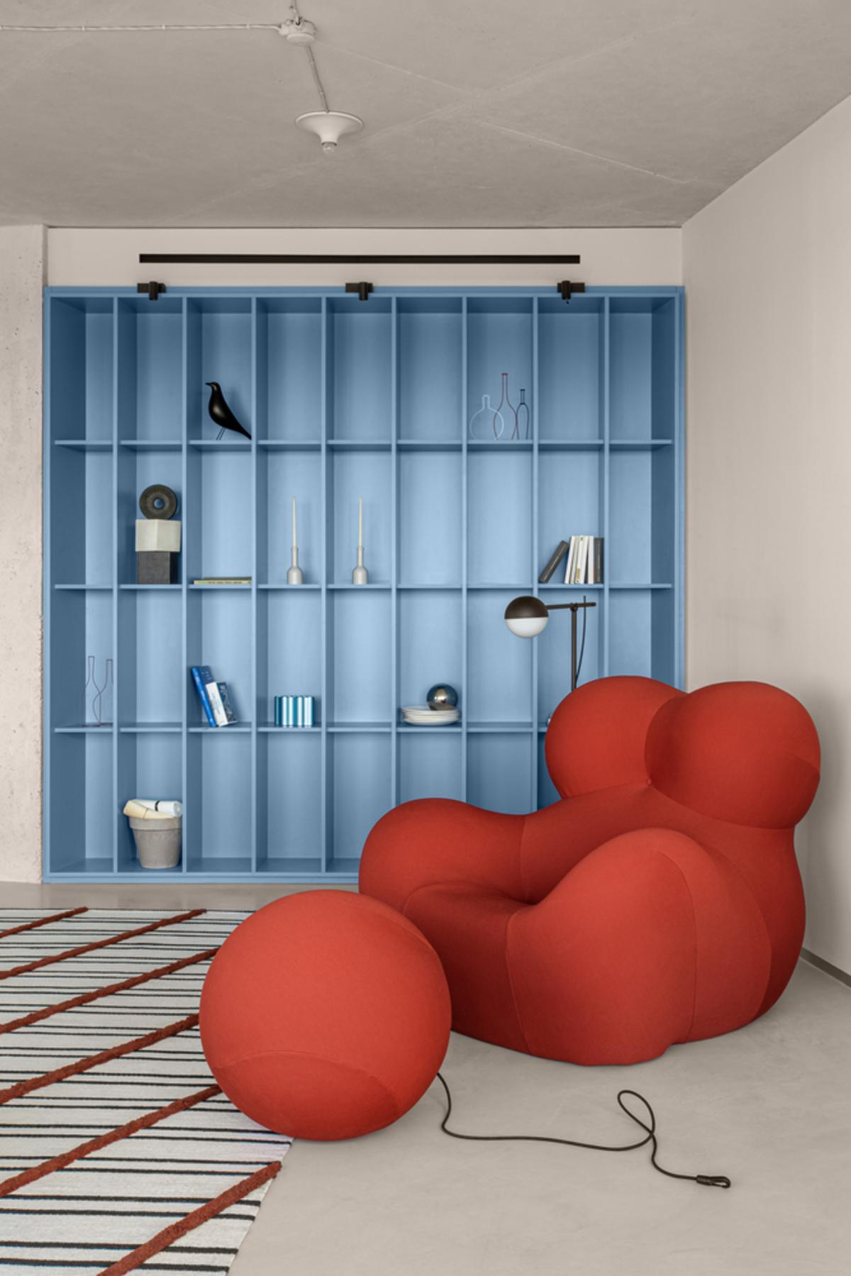 Blue Terracotta Apartment – Nhà xuyên tâm với không gian sống hiện đại, tiện dụng