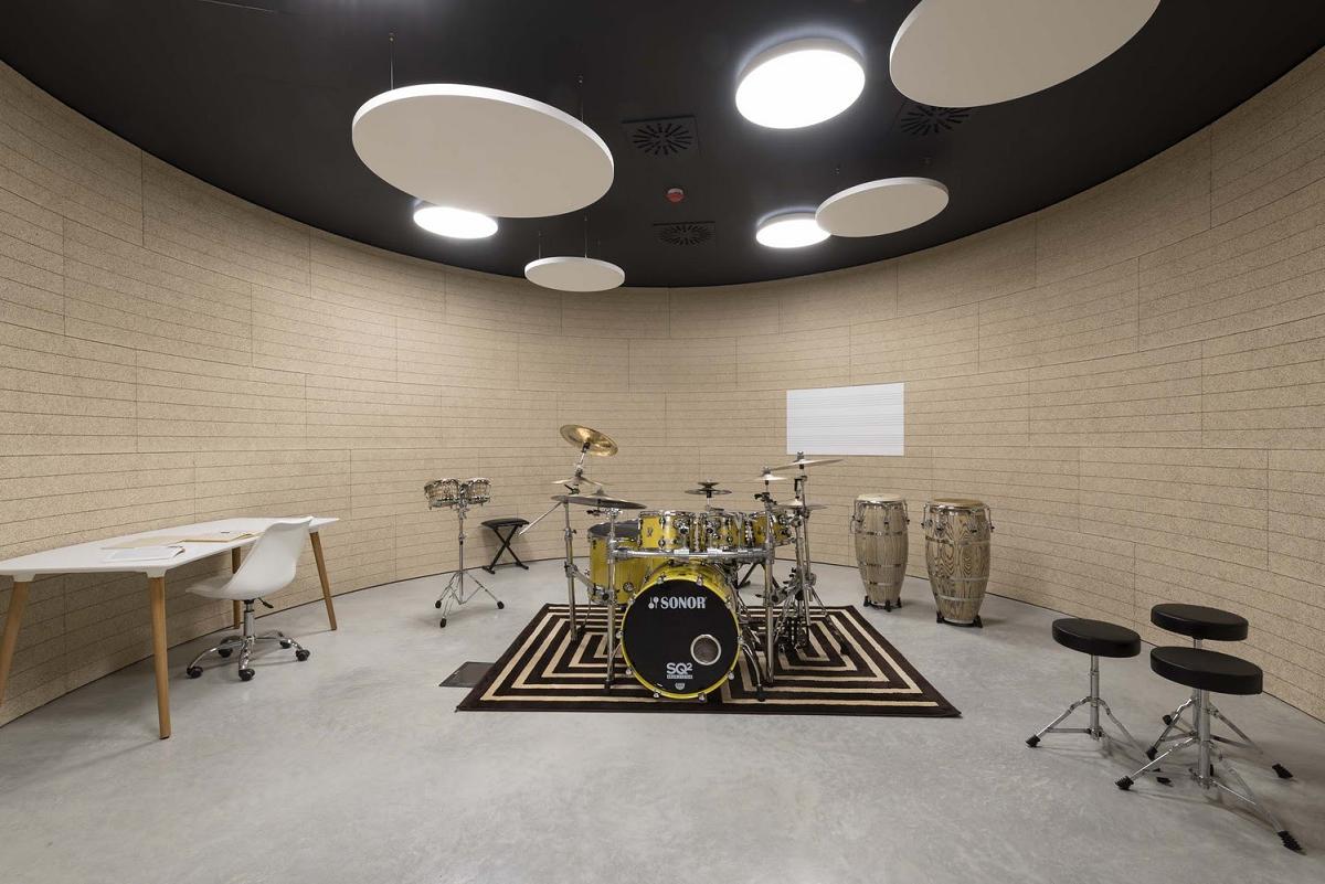 The House of Music - Không gian kết nối con người với âm nhạc/ MC AThe House of Music - Không gian kết nối con người với âm nhạc/ MC A