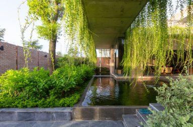 Mạo Khê House - Ngôi nhà gạch giản dị được bao phủ bởi cây xanh | HGAA