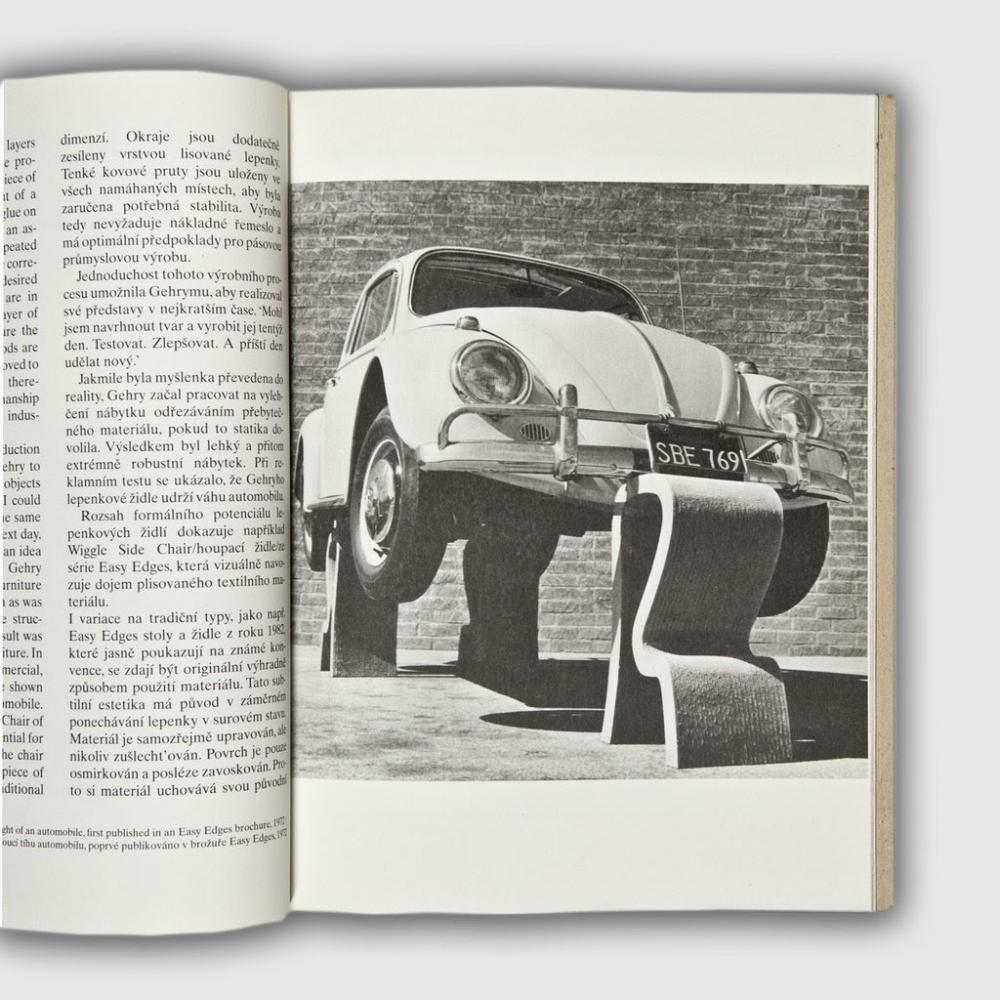 """Classic Series: Ghế Wiggle - Câu chuyện """"bó đũa"""" của những tấm bìa"""